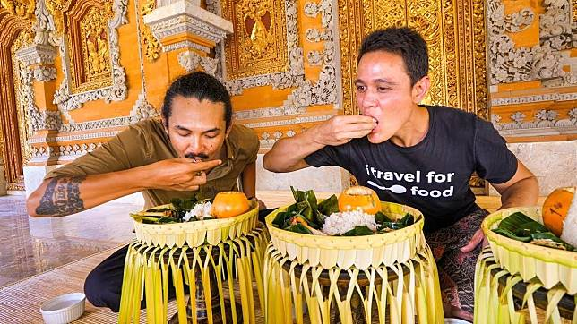 4 Food Vlogger Asing Yang Jatuh Cinta Sama Kuliner Khas Indonesia