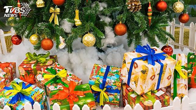 每到了耶誕節,許多人都期待能收到禮物。(示意圖/TVBS)