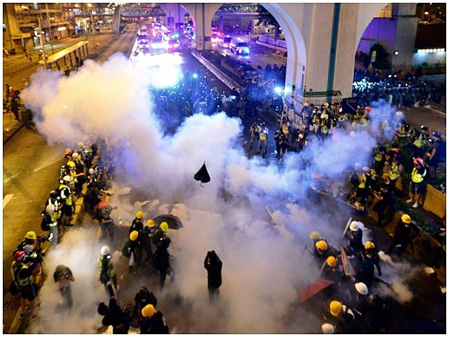 昨日遊行後上環爆發衝突。資料圖片