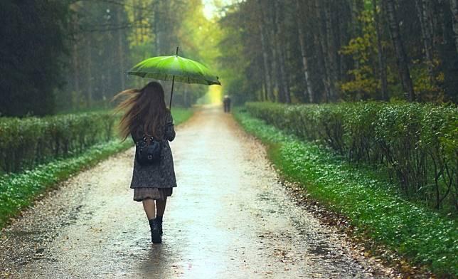 Kiat Menjaga Agar Tubuh Tetap Sehat Selama Musim Hujan