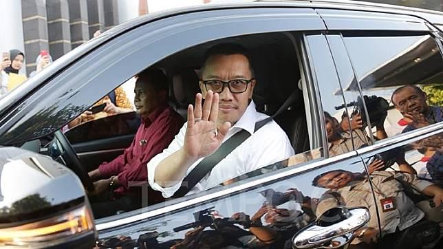 Menpora Imam Nahrawi memberikan keterangan pers pengunduran dirinya di Kantor Kemenpora, Jakarta, Kamis 19 September 2019. Imam Nahrawi resmi mengundurkan diri dari jabatan Menpora usai ditetapkan sebagai tersangka kasus dugaan suap pemberian dana hibah KONI. TEMPO/M Taufan Rengganis