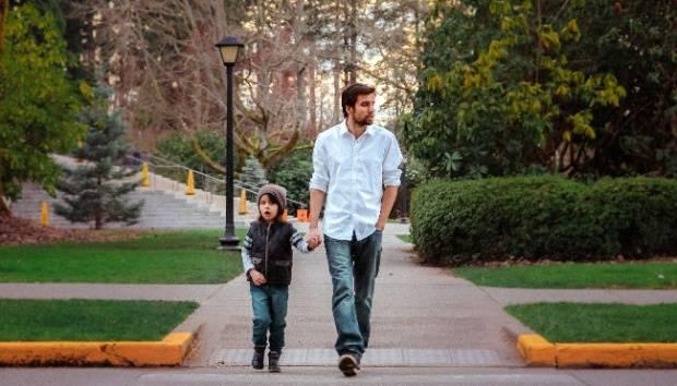 Ilustrasi ayah dan anak. Pxhere.com