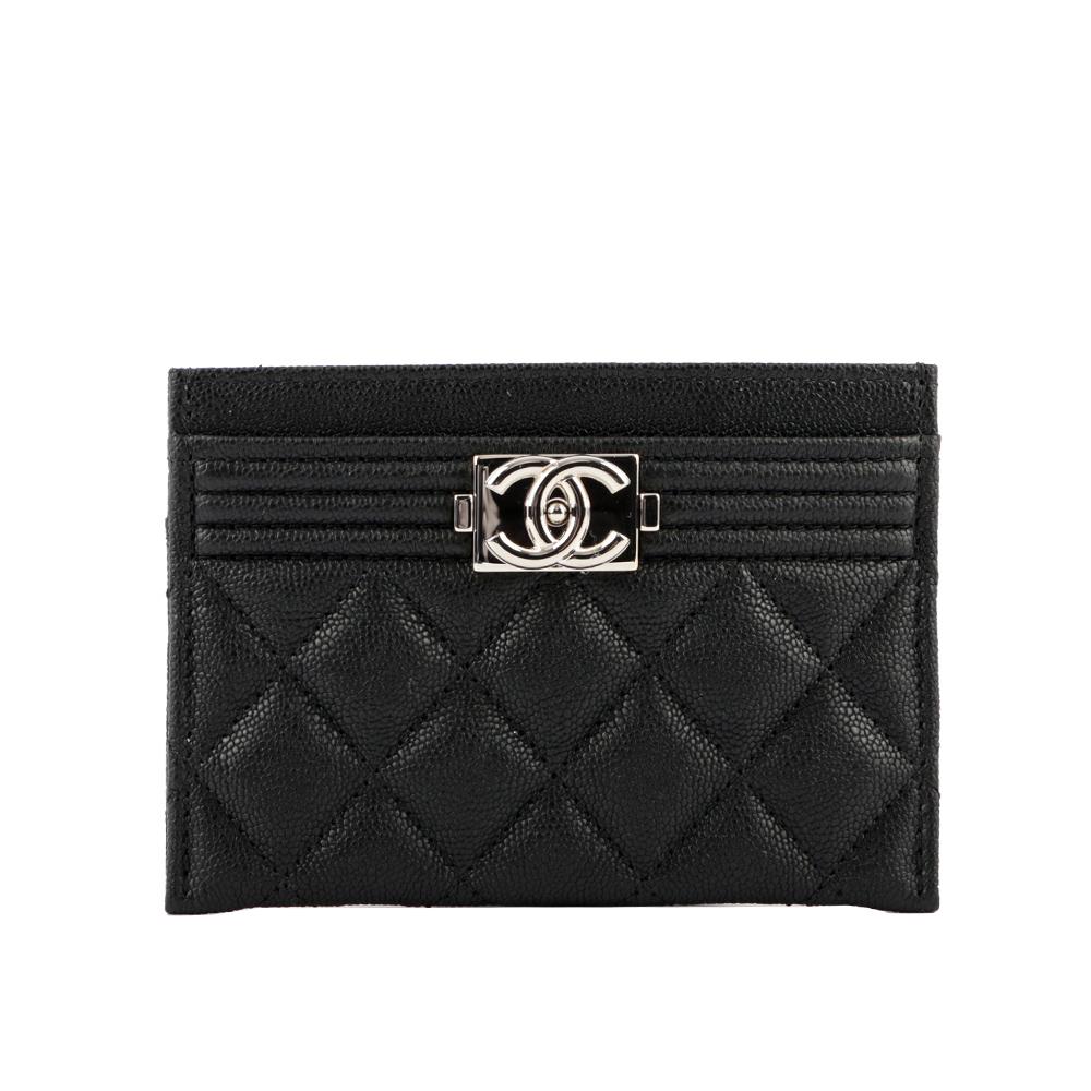CHANEL Boy Chanel 荔枝皮革銀釦卡片夾(黑色) A84431