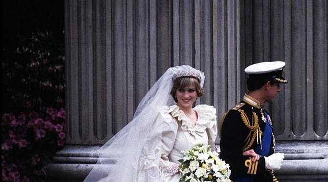 Putri Diana  Pernikahanku dbd61ce7b8