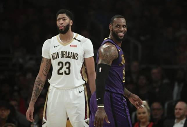 LeBron James (右) 與 Anthony Davis (左) 確定聯手,達志影像