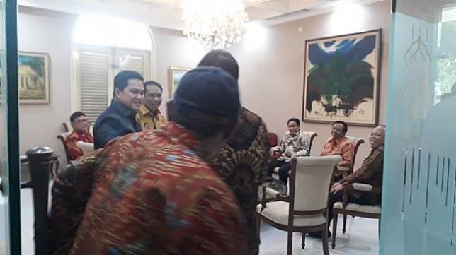 Sejumlah menteri sudah tiba di Istana jelang pengumuman dan pelantikan kabinet Jokowi, Rabu (23/10/2019). (Suara.com/Ummi Saleh)