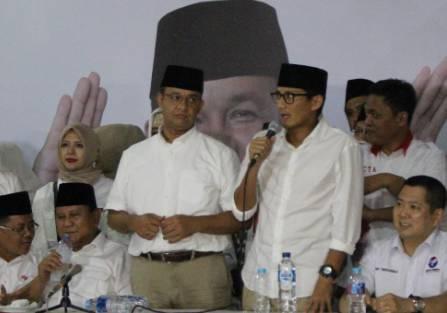 Anies-Sandi memberikan pidato kemenangan di DPP Partai Gerindra, Rabu (19/4). Foto oleh Diego Batara/Rappler