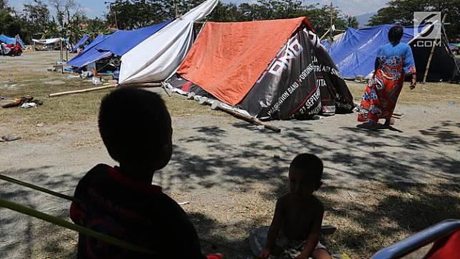 Potret Kehidupan Pengungsi Korban Gempa dan Tsunami Palu