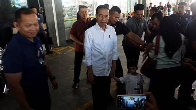 Jokowi dan Jan Ethes