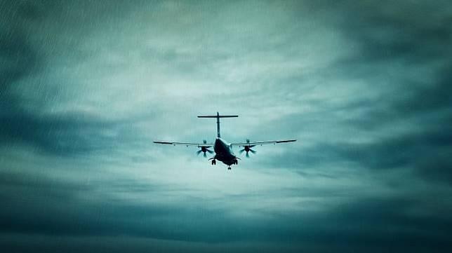 Ilustrasi Pesawat dalam Badai (pixabay/Finmiki)