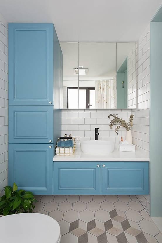 2. 莫蘭迪浴櫃