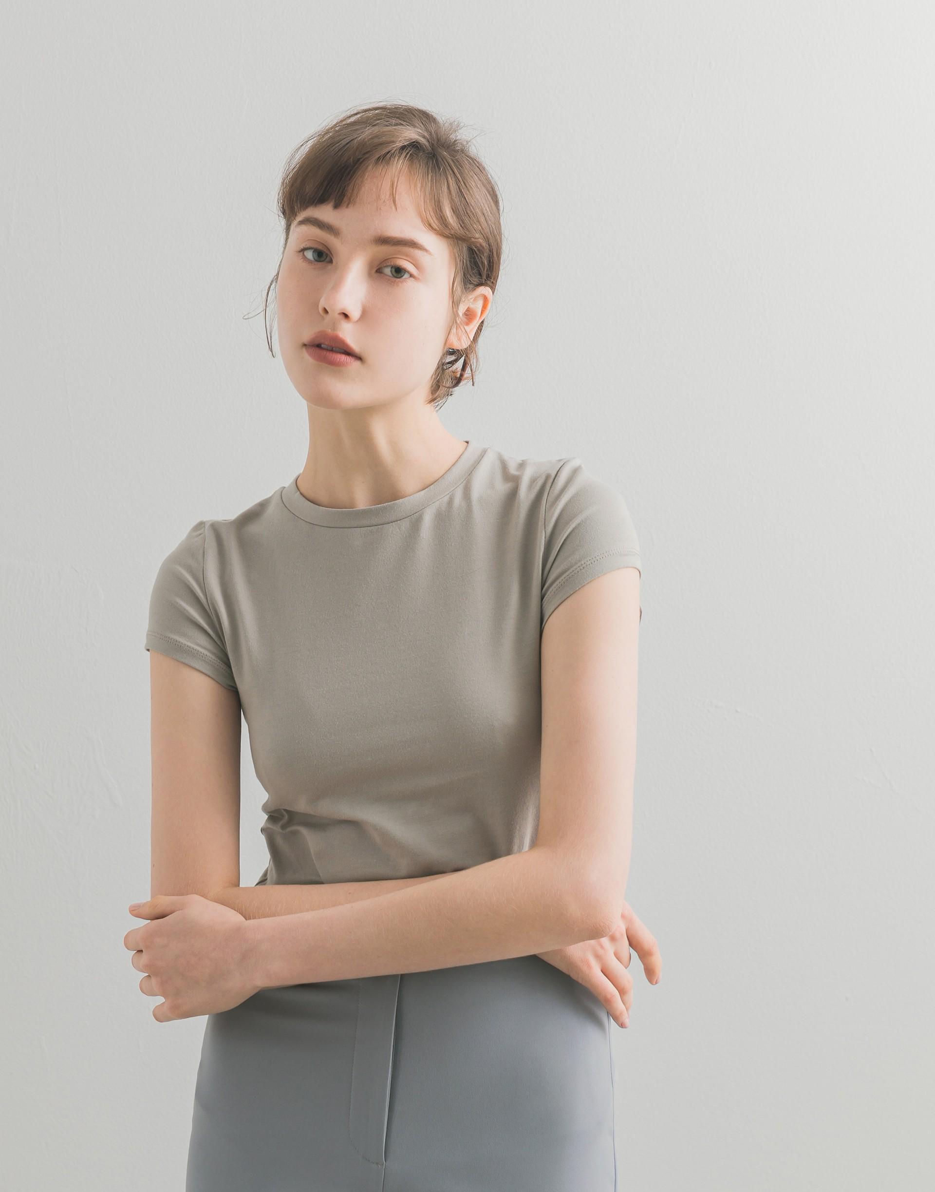 彈性:適中 親膚彈性棉質料、舒適合身、半袖時髦設計、修飾及顯現手臂美麗曲線
