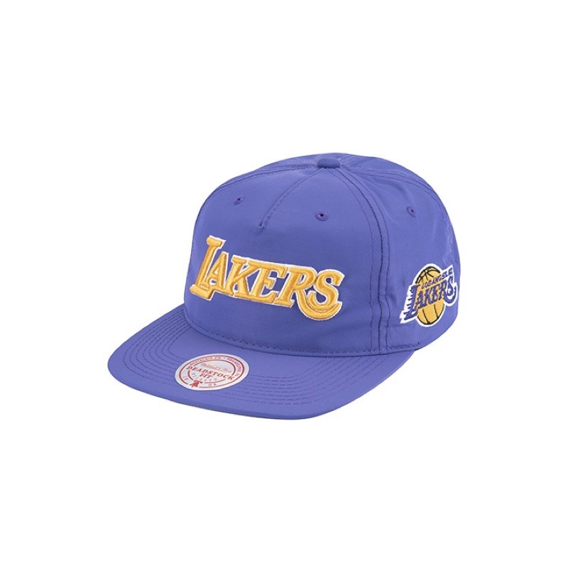 MN20A-HA07LALFCOLOR : Purple 商品特色成立於1904年的美國費城(Philadelphia),有百年歷史的 Mitchell & Ness,是現今歷史最悠久的運動品牌之一,