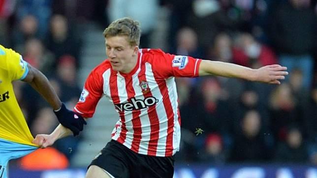 Bek Southampton, Matt Targett jadi rebutan Liverpool dan Arsenal
