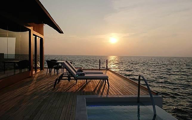 由50幢別墅組成的度假村,是由日本著名建築師Yuji Yamazaki設計提供海灘泳池別墅、瀉湖泳池別墅及海洋泳池別墅,共3種房型。(互聯網)