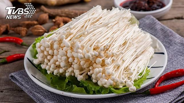 金針菇富含許多營養素。示意圖/TVBS