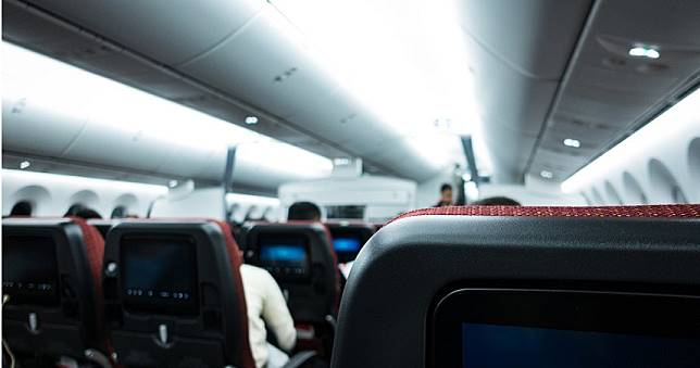 空姐誘「已婚同事們」機艙集體不倫!還寫恩愛日記 人夫氣炸公布
