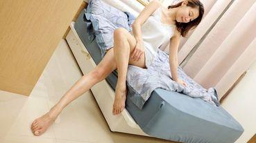 居家|枕頭推薦|先別管麻藥枕頭了!德瑞克名床「雲端枕」內裝2.5公斤會流動的親水棉粒,貼合脖頸好舒壓,散熱快更適合夏天睡涼爽~