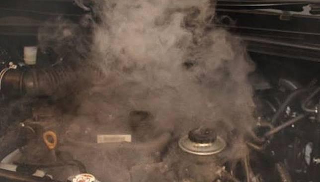 Ilustrasi mesin overheat