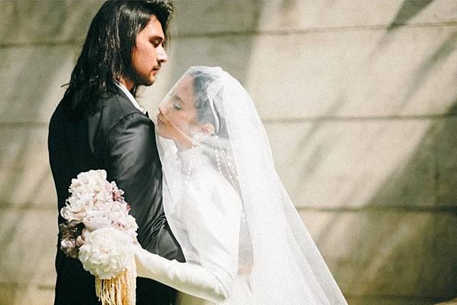 Intip Foto-Foto Pernikahan Sakral Tara Basro dan Daniel Adnan