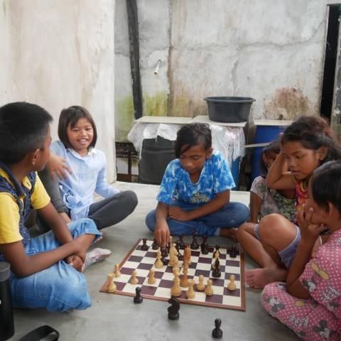 Doni Berdayakan Anak-anak Gang Angket Lewat Gerakan 'Sekitar Pendidikan'
