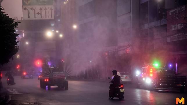 รวมภาพน้ำใจคนไทย นำรถฉีดพ่นน้ำยาฆ่าเชื้อโควิด 19 ย่านเยาวราช ฟรี!!