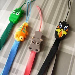 ◆ 獨家創意設計熱帶雨林動物造型。◆ 預防操作時從手中滑落。◆ 矽膠材質製成,不刮傷手機。