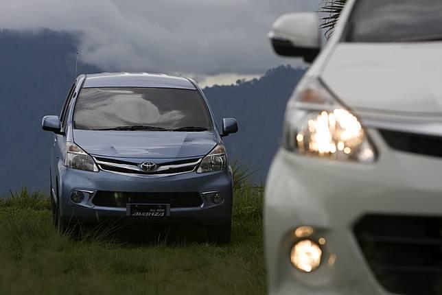 Pasar Otomotif Lesu, Dua Mobil Toyota Ini Berjaya di Segmennya