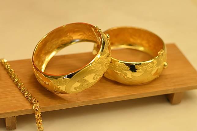 wedding-gifts-1808235_960_720