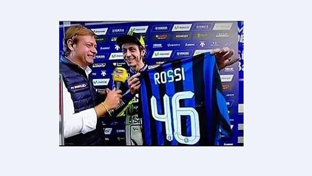 Valentino Rossi yang Cinta Sepak Bola