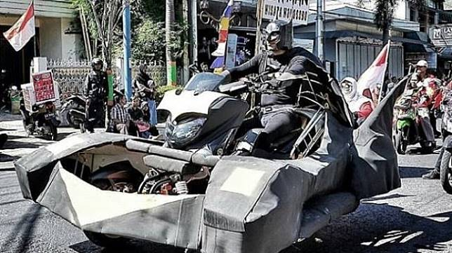 Nmax dimodif ala kendaraan Batman. (Instagram/@denmas_candra)