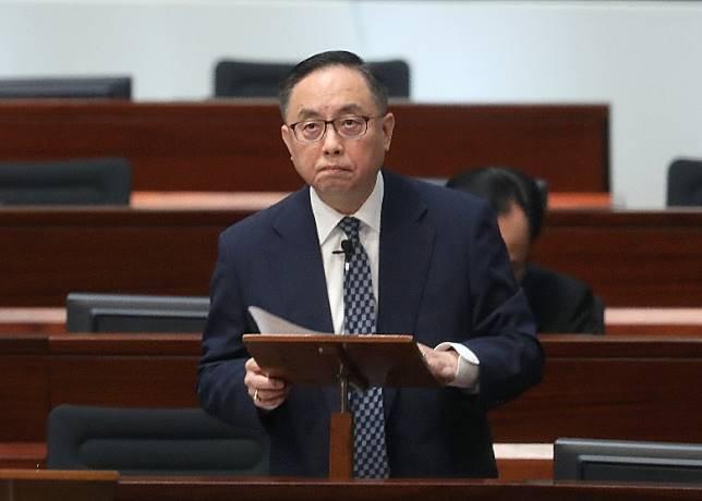 楊偉雄被批唔明白AI政策研究嘅重要性。