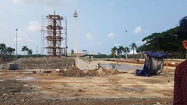 Revitalisasi kawasan Monumen Nasional, Jakarta Pusat. (Suara.com/Fakhri).
