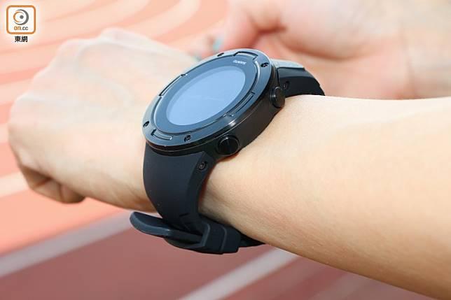 錶身纖薄,手幼也戴得好看。(張錦昌攝)