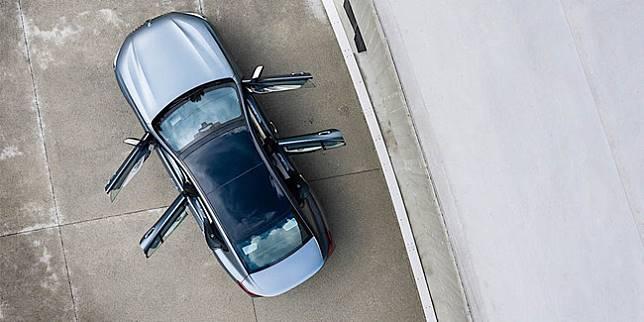 Sedan BMW (Ilustrasi/Autoevolution)