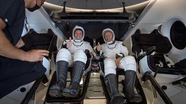 再見證歷史一刻!SpaceX 成功載兩位太空人返回地球