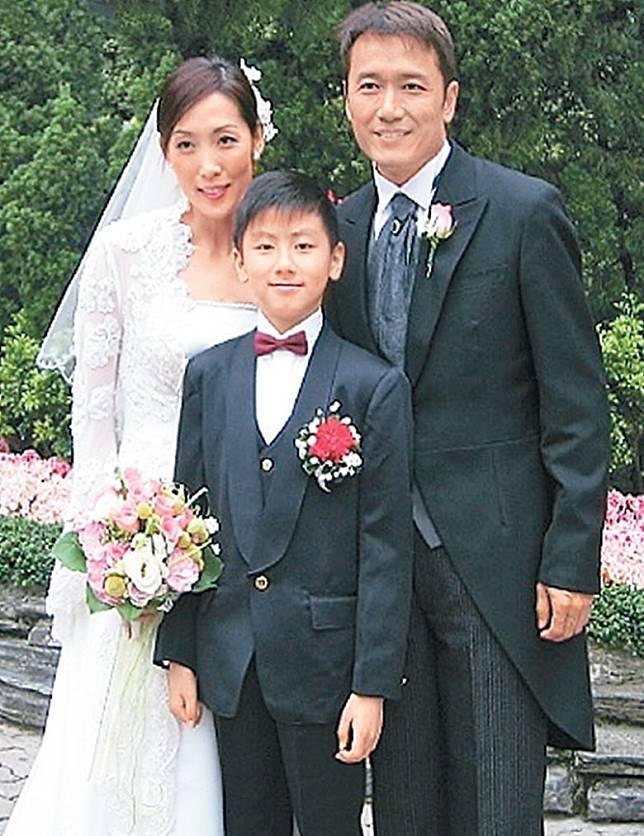 丘梓謙小時候在《人間蒸發》飾演苗僑偉兒子。