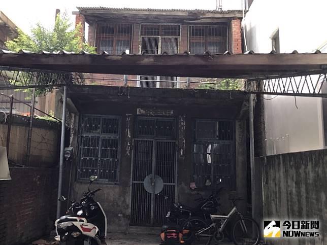 ▲新莊化成路這棟「工寮」要價1480萬。(圖/記者賴志昶攝)