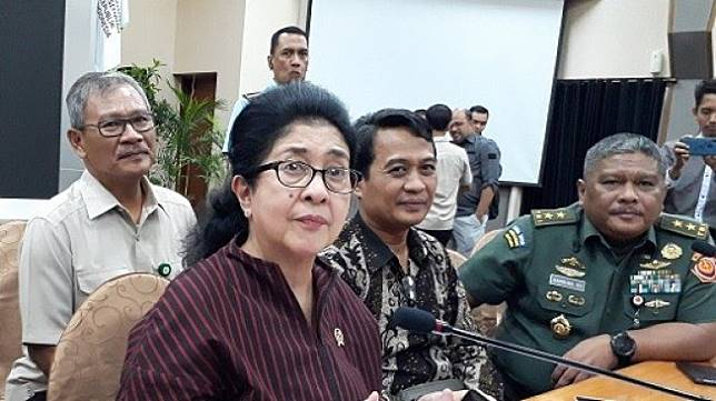 Menteri Kesehatan Nila Moeloek. (Suara.com/Risna Halidi)