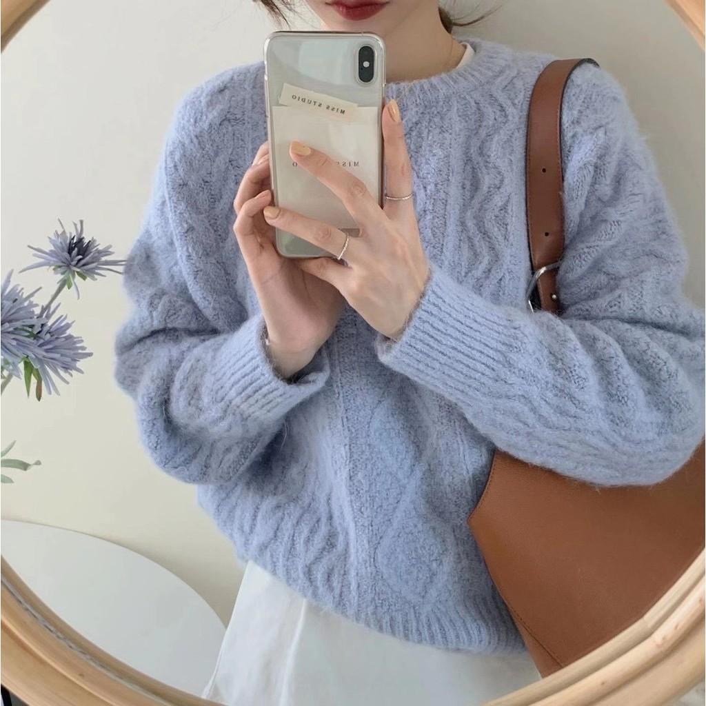 [GRASS ROOM全館現貨供應]Instagram: grass_style (新品預告/實品穿搭/韓國連線/未來品搶先預訂)溫暖的麻花針織毛衣 材質很舒服很舒服 親膚柔軟的唷❤️寬鬆的版型 很推