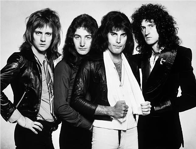 成果更接近美國樂隊Queen當年成員的髮型。