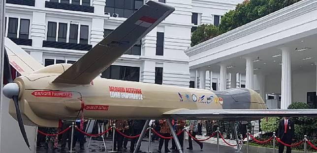 Purwarupa PUNA MALE Elang Hitam (EH-1) yang dikembangkan BPPT saat dipamerkan di Kementerian Pertahanan, Kamis 23 Januari 2020. Drone tempur ini diklaim bisa terbang 30 jam nonstop. FOTO/DOK BPPT
