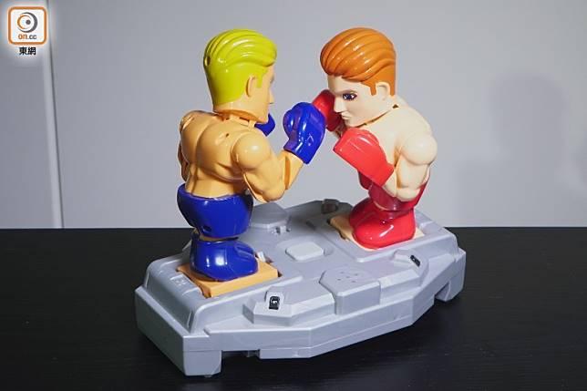 「拳鬥士格鬥」兩邊鬥士製作得維肖維妙,Q版造型叫人會心微笑。(莫文俊攝)