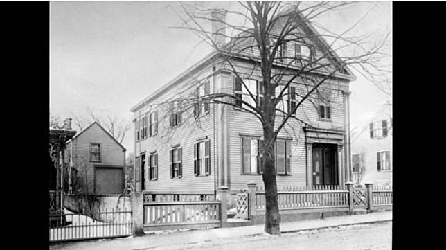 Rumah bekas pembunuhan brutal abad ke-19, keluarga Borden. [Wikipedia]