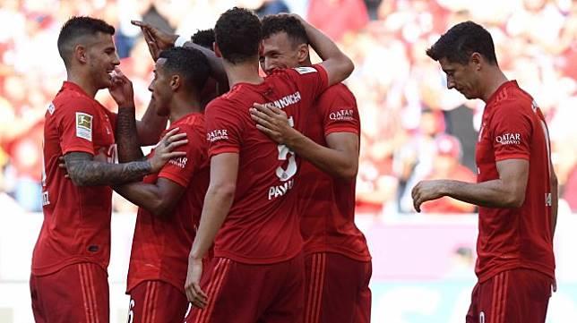 Waspadai Virus Corona Pemain Bayern Munich Dilarang Foto Dengan Fans