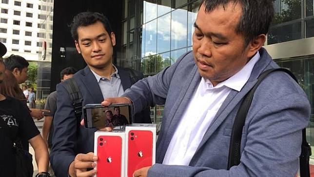 Koordinator Masyarakat Antikorupsi Indonesia (MAKI) Boyamin Saiman mendatangi Gedung Merah Putih