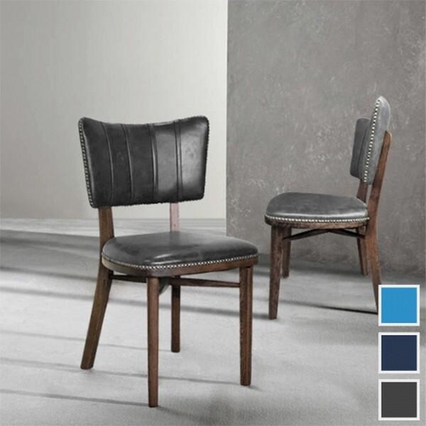 美麗的靠背曲線搭配鑲滿鉚釘的邊邊就好像是珠珠的質感 搭配胡桃色骨架更是充滿了一股復古歐洲風情 可當餐椅化妝椅美甲椅適合商業空間住宅空間使用