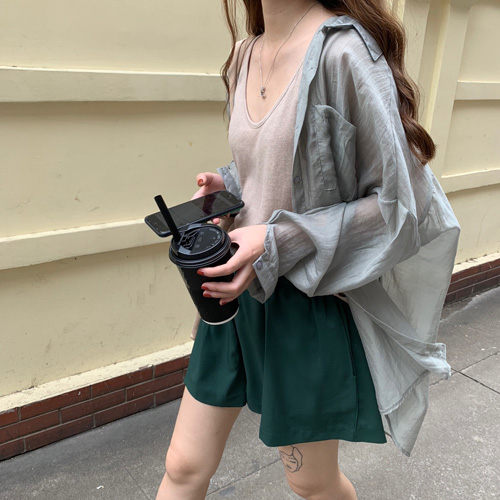 穿了絕對防曬及涼感破表大蝙蝠袖透視感罩衫