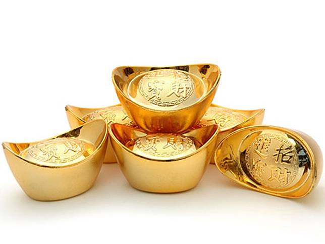 只要在家居的中間位置擺放合適的催旺物,如象徵財運的金元寶,就可以提升八白財星的力量。(互聯網)
