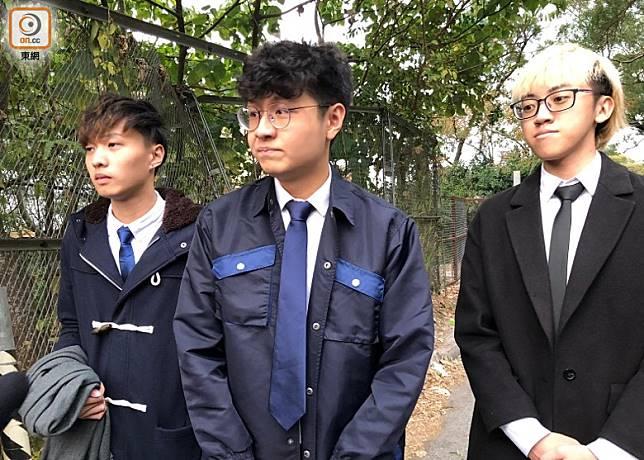 梁銘軒(中)稱,今日對科大或香港人來說是傷心的一天。(陳綺雯攝)